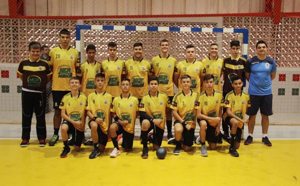 Atletas bolsistas de Mercedes foram campeões da categoria sub-15 na Paraná Handebol Cup 2020 – Foto: Jaqueline Galvão/LHPr