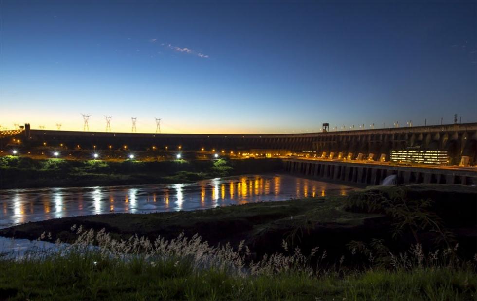A usina de Itaipu, pertencente a Brasil e Paraguai, na fronteira entre os dois países. Foto: Alexandre Marchetti/Itaipu Binacional.