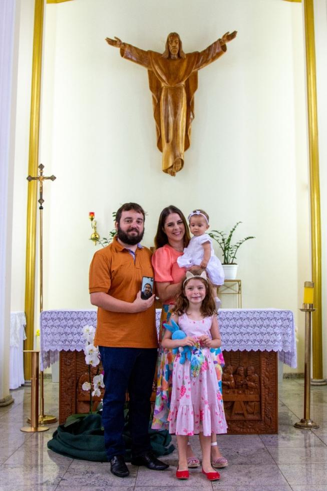 Os pais da criança batizada - Fotos: Camila Clivati Sodré/Divulgação