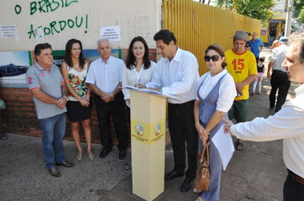 Assinatura da Reforma. Divulgação/Prefeitura de Ibiporã
