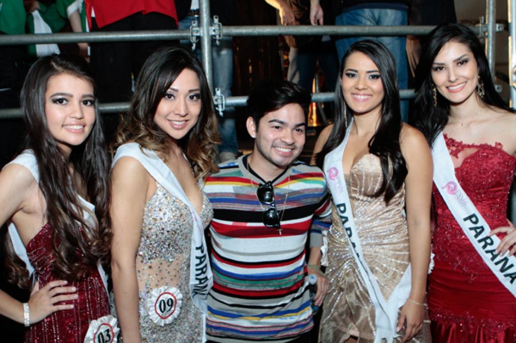 As Misses do Paraná no Miss Nikkey do Brasil realizado em Junho do de 2014 com Yudi Tamashiro, jurado do concurso.