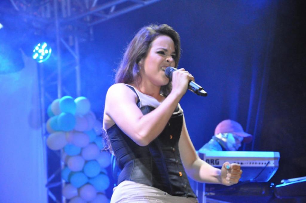 Maria Alice na festa-2014-