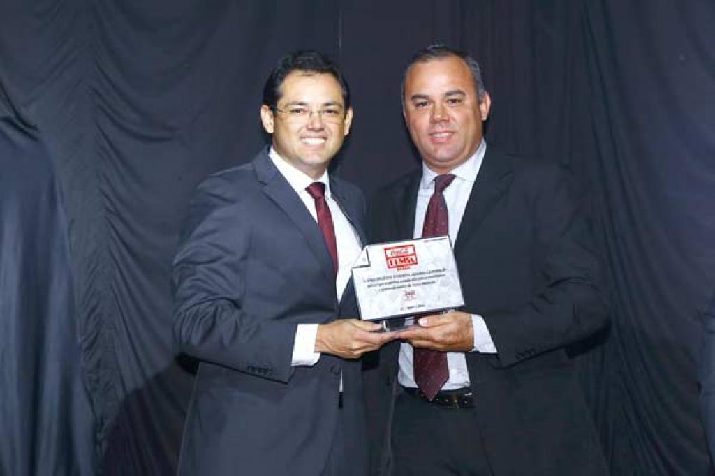 Rodrigo Leocardio (Relações Públicas – Apras) e André Benetor (Gerente de Contas – Coca-Cola Femsa).