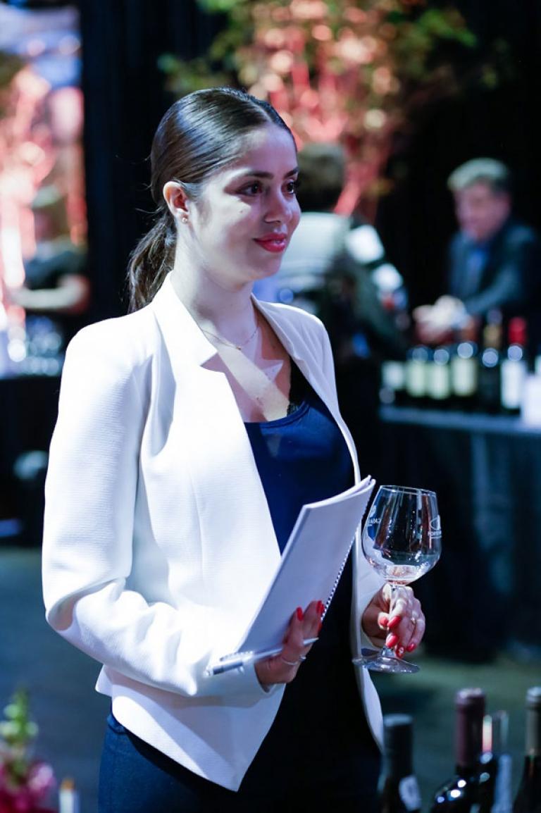 Ana Carolina Bosi, gerente loja Adega Brasil Maringá