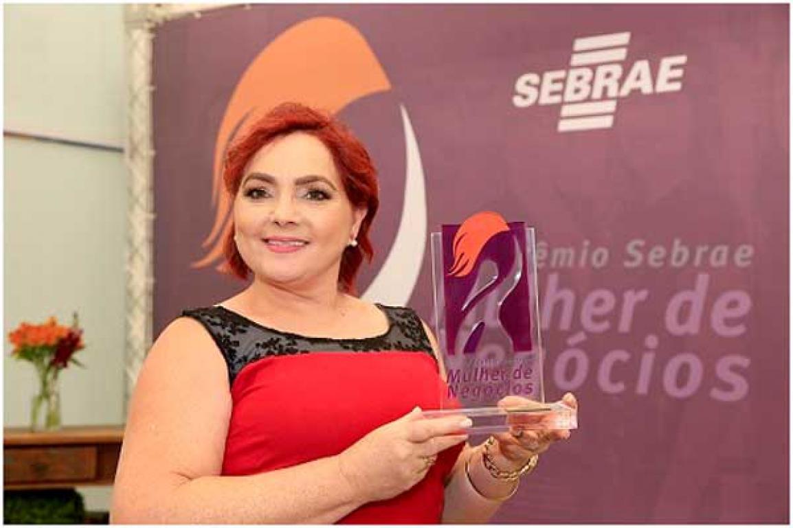 Sirlei Cabral, de Joaquim Távora, levou o Ouro na categoria Microempreendedora Individual (MEI). Crédito da foto: Luiz Costa