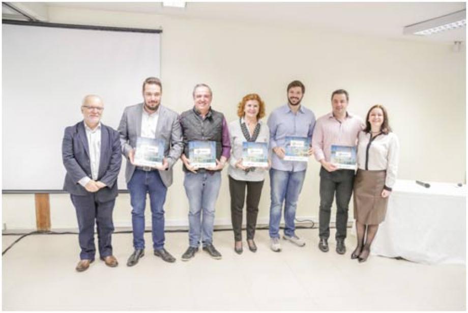 Estudo realizado pela Fundação CERTI foi entregue oficialmente durante solenidade no Sebrae em Londrina. Crédito: Aron Mello.