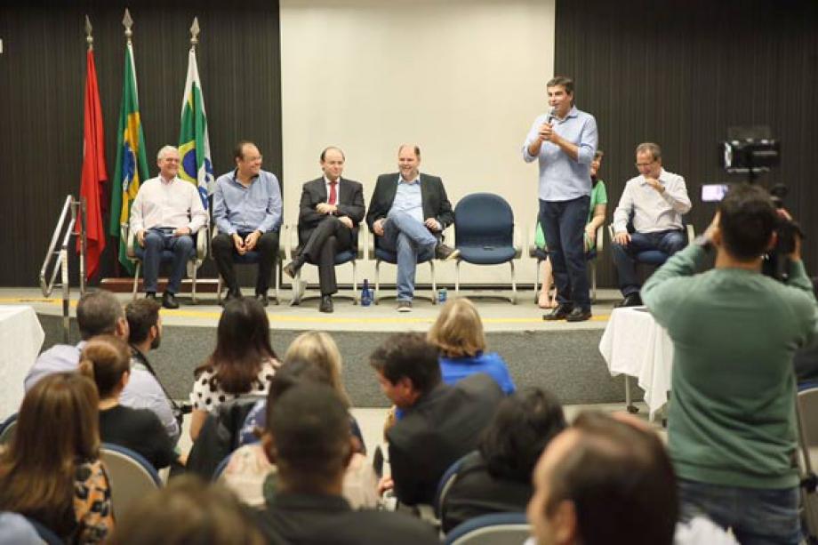 Pronunciamento do prefeito de Londrina, Marcelo Belinati - Foto: André Nery/MEC