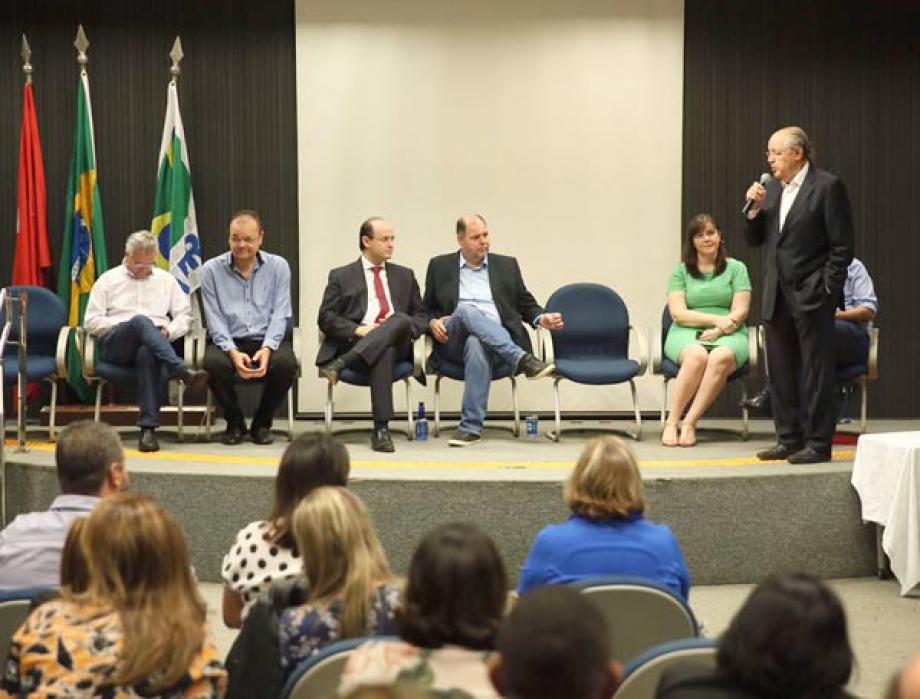 Pronunciamento do Deputado federal Luiz Carlos Hauly - Foto: André Nery/MEC