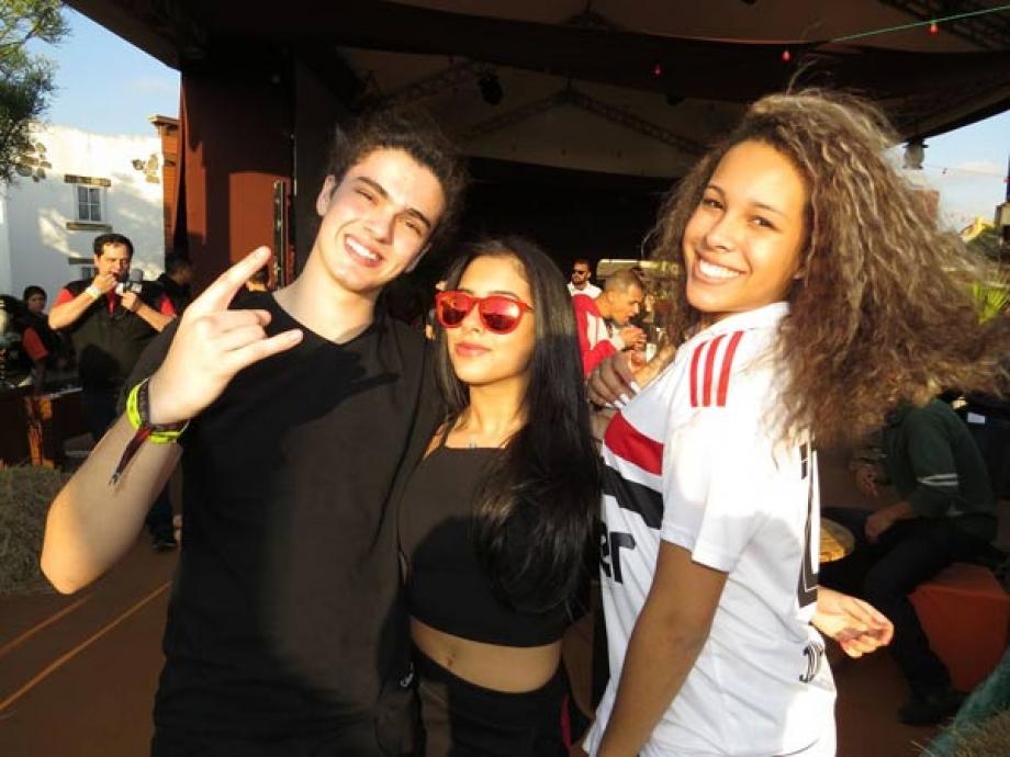 Atores Matheus Lustosa, Cinthia Cruz e Julia Olliver