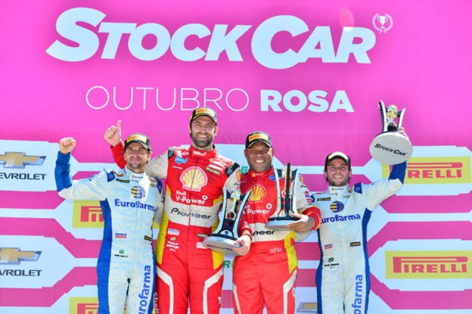 Pódio da segunda corrida - (Fernanda Freixosa/Stock Car/Vipcomm)
