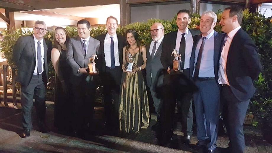 Equipe da Sanepar comemora premiação no Rio de Janeiro