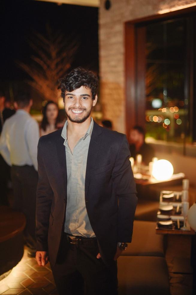 O ator e modelo Vitor Rocha