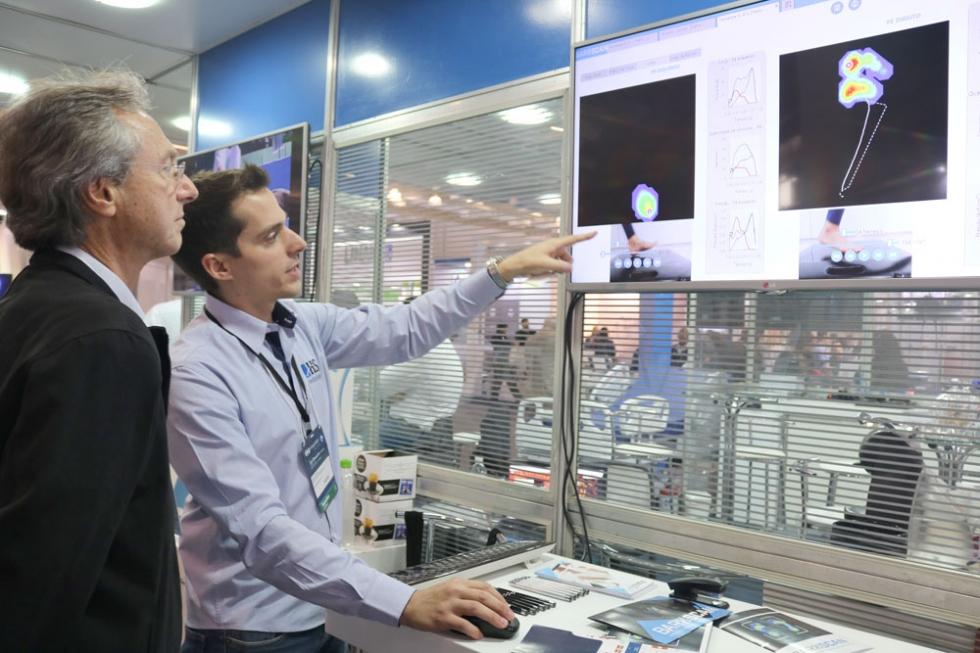 empresário Tiago Pereira, apresentando Baroscan