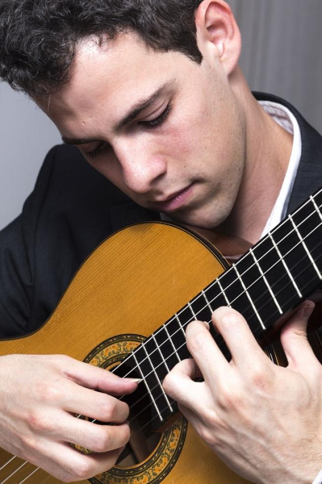 Violonista Yuri Marchese. foto - Gustavo Rampini