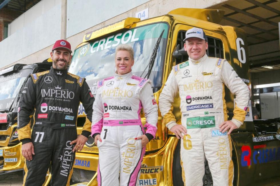 Time da AM Motorsport trabalha por taças para Débora e Cirino. Foto: RR Media/Rodrigo Ruiz