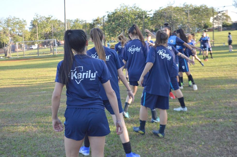 O projeto tem duas categorias de base: o sub-14 e o sub-17, além de algumas atletas do sub-20. (Foto: Geovana Marrie/ Londrina EC).