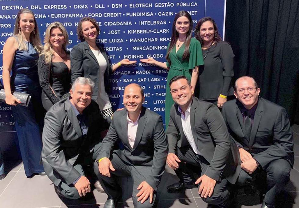 Colaboradores do Moinho Globo que prestigiaram o evento de premiação