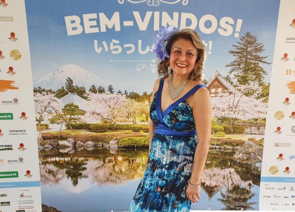Empresária e cantora londrinense Yda Pozza abrilhantou com sua voz e talento o último dia do Londrina Matsuri 2019 – Foto: Divulgação