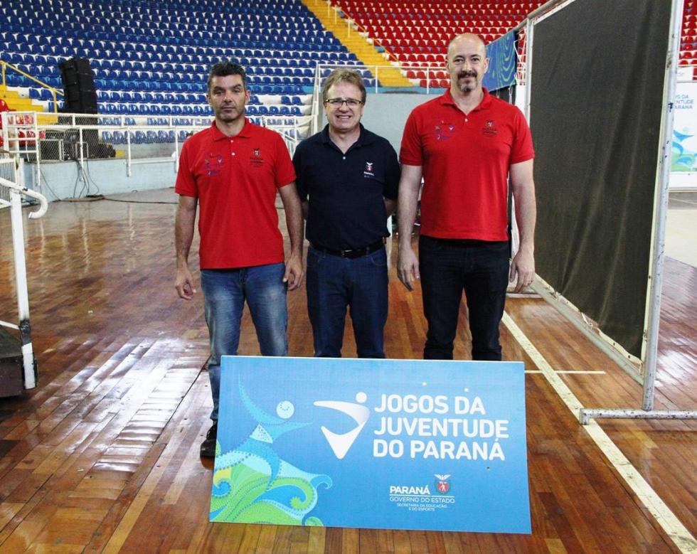 Coordenador geral dos JOJUPS, Emerson Venturini (primeiro à dir) com os coordenadores técnicos Leopoldo Vendrami e Agnaldo Baldo - Foto: Jaqueline Galvão/JOJUPS