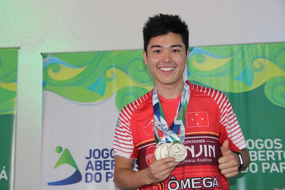 Danilo Toma reinou absoluto na competição masculina, conquistando os títulos por equipes, dupla masculina e individual - Foto: Jaqueline Galvão/JAPS
