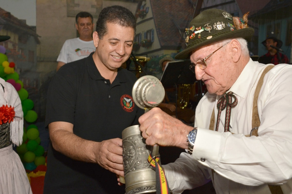Deputado Cobra Repórter prestigia Festa em Rolândia - Fotos: Jesu Campos