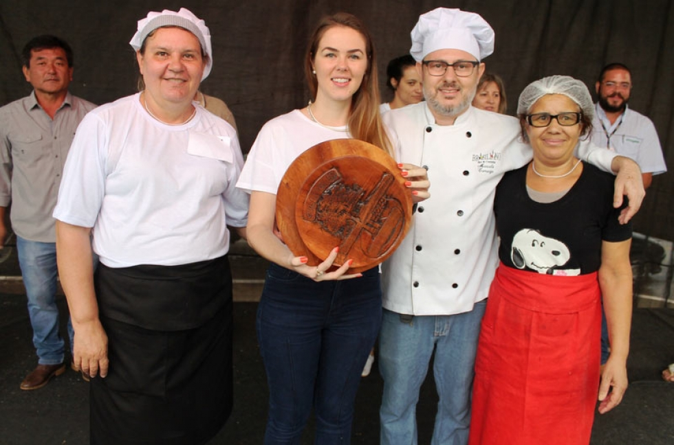 Ganhadores do terceiro lugar da disputa de melhor prato