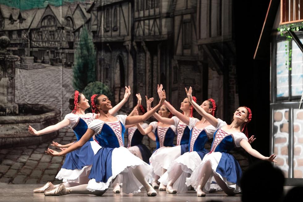 Escola Municipal de Dança - foto de Fábio Alcover