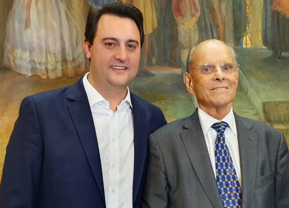 Governador Ratinho Junior com o ex-governador Paulo Pimentel - Foto: Geraldo Bubniak/AEN